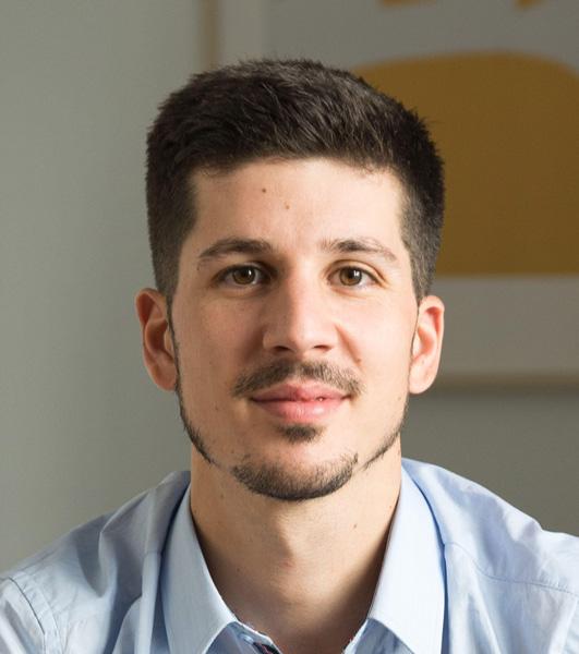 Nicolas Gomes - Uhinov